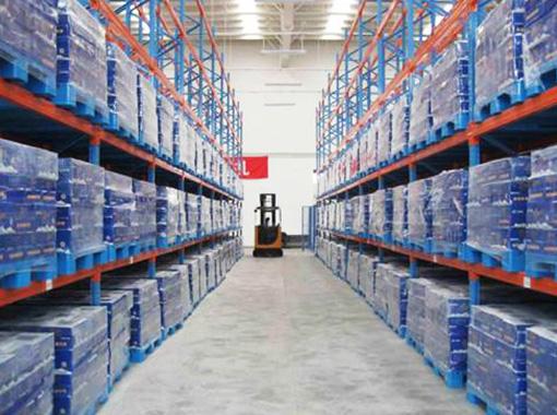 货架塑料托盘在立体车库中使用